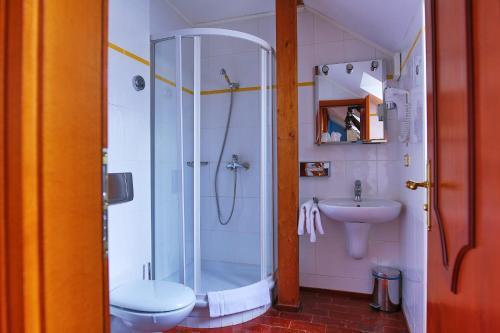 A bathroom at Royal Ricc