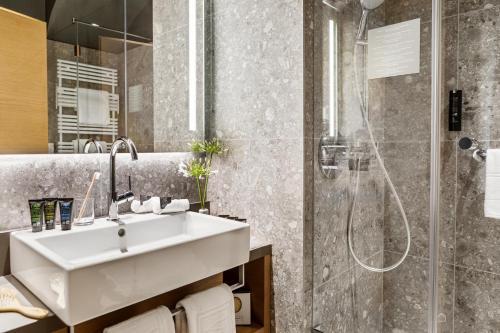 A bathroom at Boutique Hotel am Stephansplatz