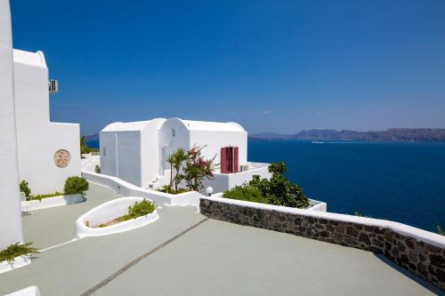 A balcony or terrace at Santorini View