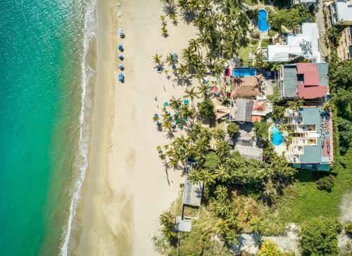 Vue panoramique sur l'établissement Hotel Villa Taina