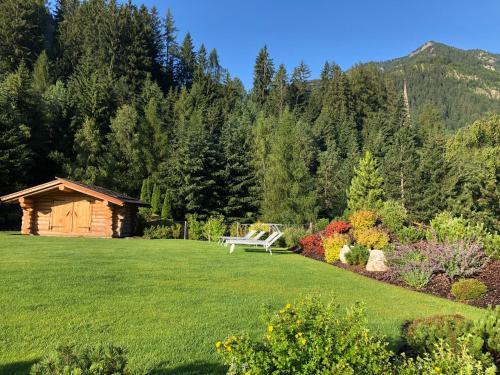 Ein Garten an der Unterkunft Hotel Arnaria