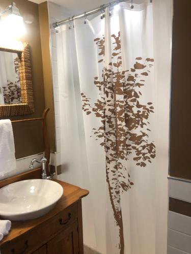 """A bathroom at 1000 Islands B&B """"Boutique Hotel Experience"""""""
