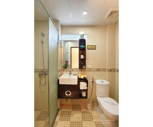 Ein Badezimmer in der Unterkunft Hanoi Culture Hostel
