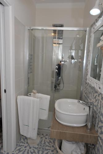 A bathroom at A casa di Nonna Bianca