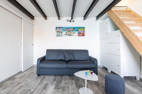 A seating area at Le Grand Bleu- Superbe Maison avec Terrasse vue sur Mer