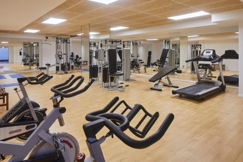 The fitness center and/or fitness facilities at Hotel Torre del Mar - Ibiza