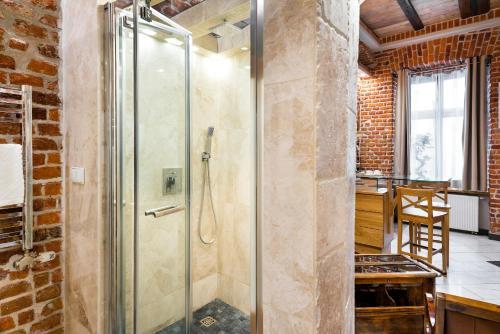 Un baño de Aparthotel Stare Miasto