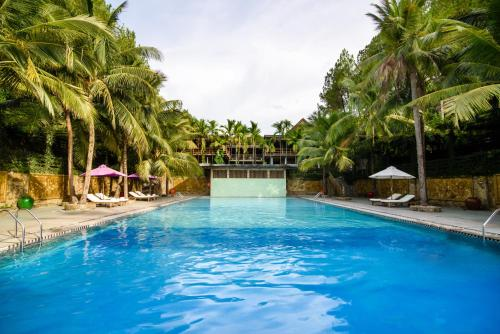 The swimming pool at or close to Sankofa Village Hill Resort & Spa