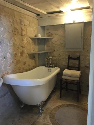 A bathroom at Chez Brown