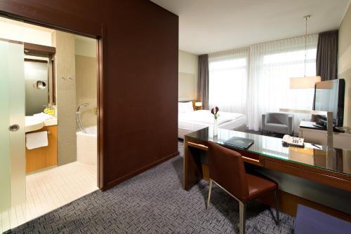 A bathroom at Adrema Hotel