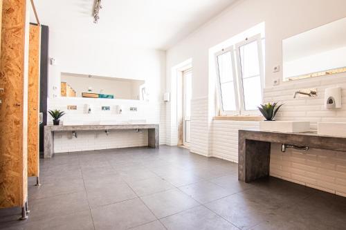 A bathroom at Hostellicious