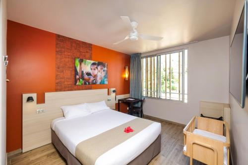 A bed or beds in a room at Hotel Gondwana - ECO-FRIENDLY