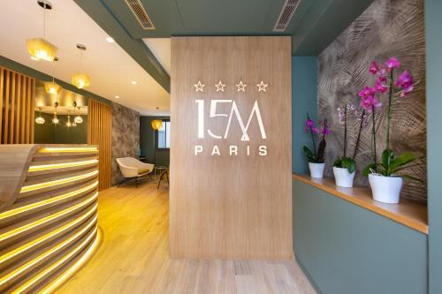 The lobby or reception area at Hôtel 15 Montparnasse