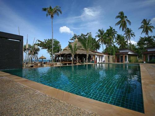 Het zwembad bij of vlak bij Coco Lanta Resort - SHA Certified
