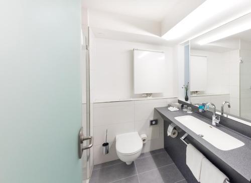 A bathroom at Hotel Alarun