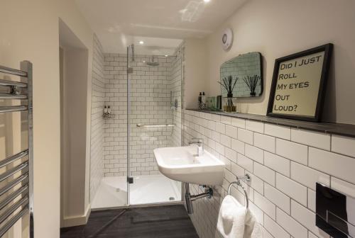 A bathroom at Judges Court