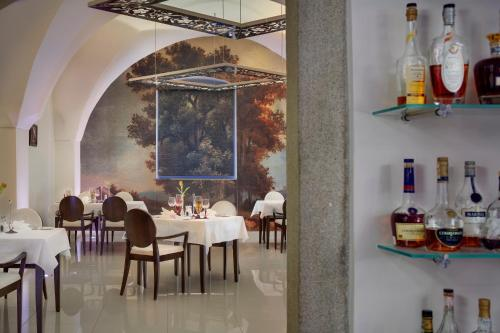 A restaurant or other place to eat at Chateau Herálec Boutique Hotel & Spa by L'Occitane