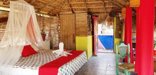 Кровать или кровати в номере Cabo Inn