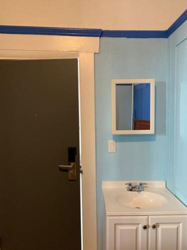 A bathroom at Page Hotel