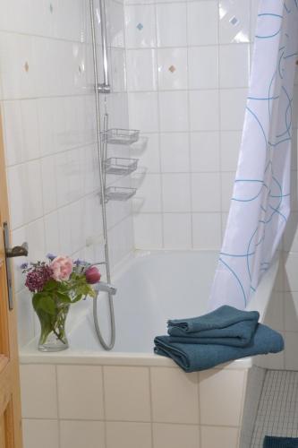 A bathroom at Romantisches Bed&Breakfast Apfelstern
