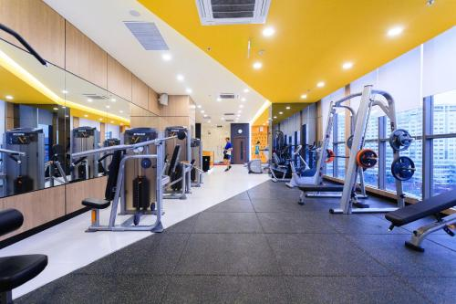 The fitness centre and/or fitness facilities at Trip Apartment Saigon