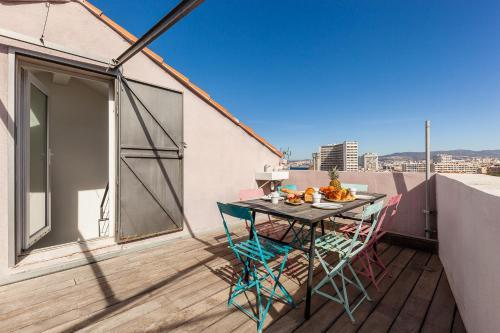 A balcony or terrace at Le Solarium - Superbe maison et son secret toit terrasse