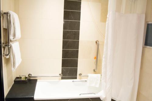 A bathroom at Hilton London Syon Park