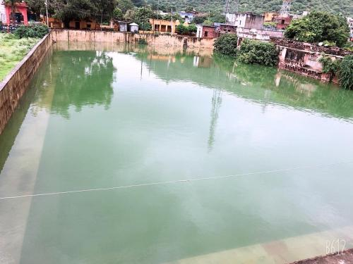 The swimming pool at or close to Hotel Bundi House