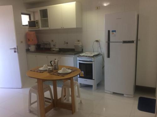 A kitchen or kitchenette at Beira Mar da Pajuçara