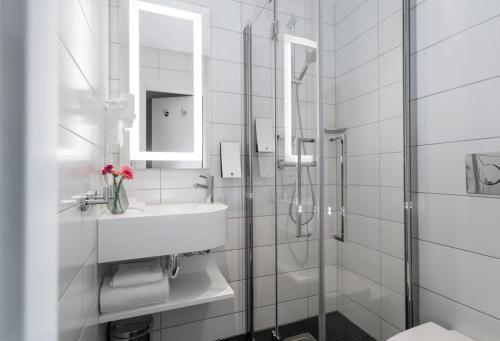 حمام في فندق ثون تيرمينوس