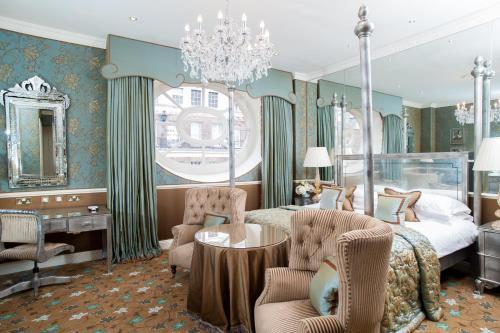 Restaurant ou autre lieu de restauration dans l'établissement The Chesterfield Mayfair