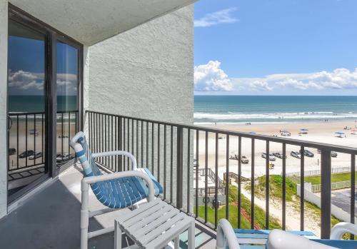 A balcony or terrace at Ocean Trillium Suites
