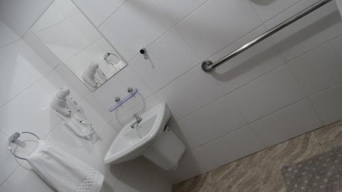 A bathroom at Hotel Niro