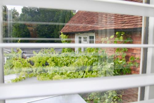 A balcony or terrace at Chequers Inn