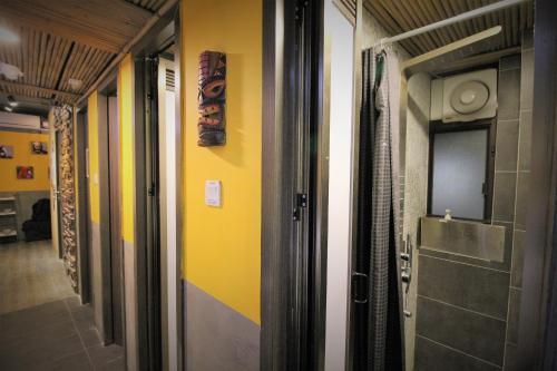 A bathroom at Urban Pack