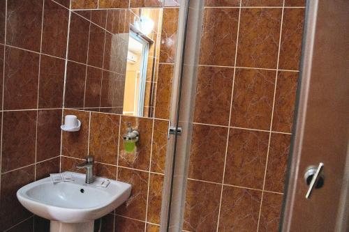 A bathroom at Golubaya Laguna Hotel