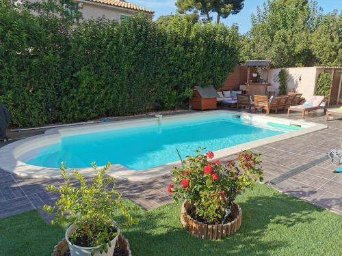 The swimming pool at or close to Chez Dane