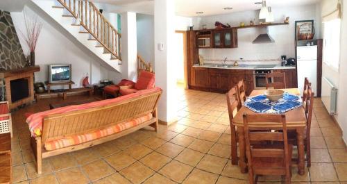 A kitchen or kitchenette at Casa rural Rosaire