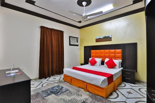 Cama ou camas em um quarto em OYO 278 Taj Saba Furnished Units