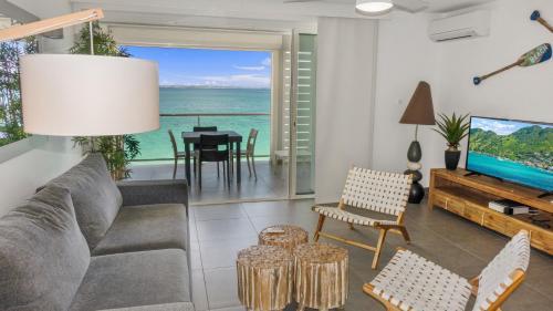 Coin salon dans l'établissement Residence Bleu Marine - Honeymoon apartments