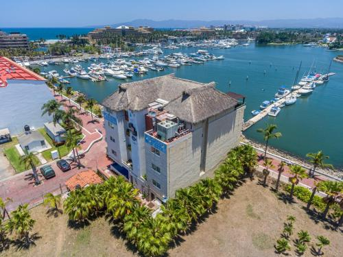 A bird's-eye view of Marina Banderas Suites Hotel Boutique