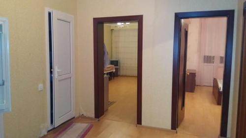 Um banheiro em Affordable Apartment in Baku (Hazi Aslanov metro station)
