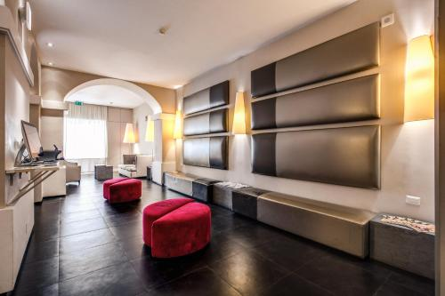 A seating area at Hotel Villafranca