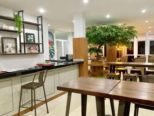 A restaurant or other place to eat at Voxstay Karawang