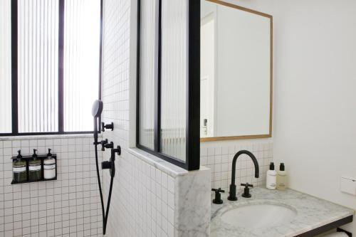 A bathroom at Morgan & Mees