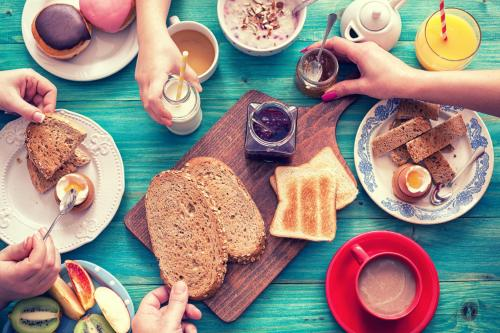 Breakfast options available to guests at Airport Hotel Dürscheidt - KONTAKTLOSER SELF CHECK-IN