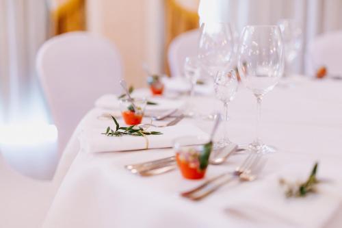 Restauracja lub miejsce do jedzenia w obiekcie Pensjonat Poniatowski