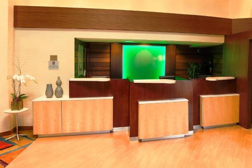 The lobby or reception area at Fairfield Inn and Suites by Marriott San Jose Airport