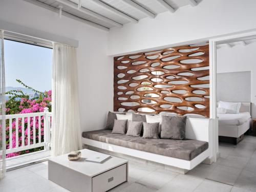 A seating area at Belvedere Mykonos - Main Hotel