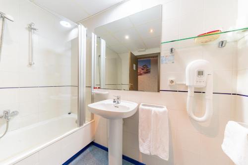 Un baño de Hotel Monreal Jumilla